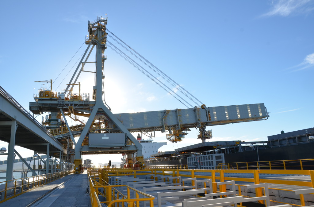 From Rail To Sea Dust Control At Queensland S New Coal